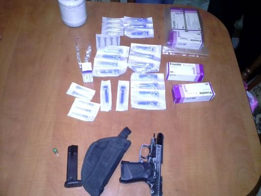 Drogkereskedőket buktattak le egy családi házban