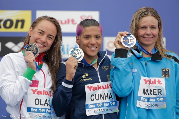 Az ezüstöt szerzett Olasz Anna, a brazil Ana Marcela Cunha és a németAngela Maurer. Fotó: Adam Pretty