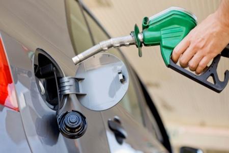 Tovább csökken az üzemanyagár