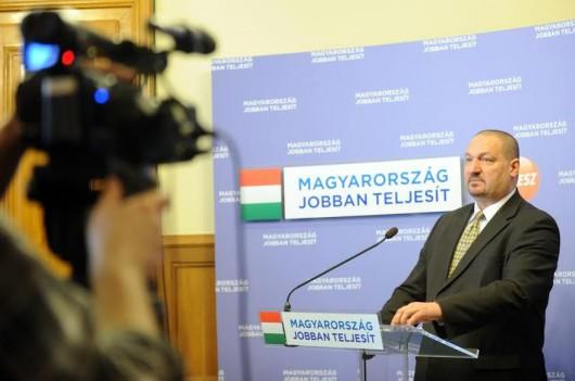 A rezsicsökkentés nemzeti ügy - Németh Szilárd sajtótájékoztatója