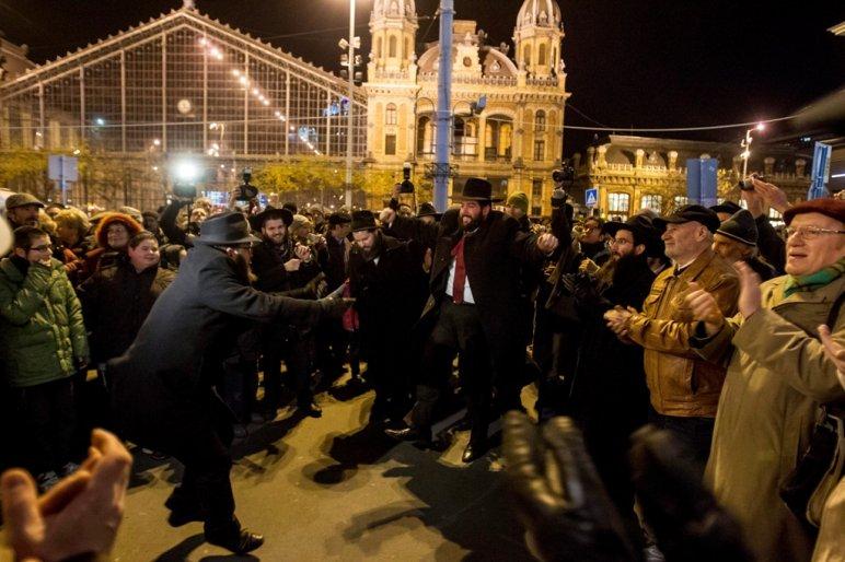 Orbán Viktor segítségét kéri a MAZSIHISZ