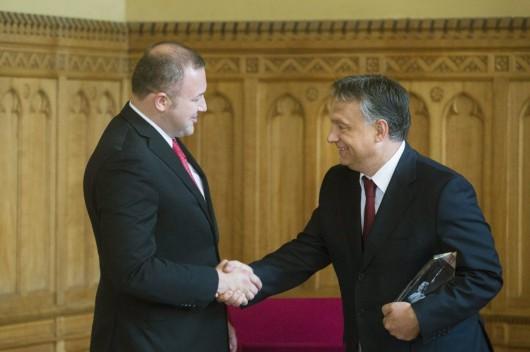 Orbán Viktor: tárgyalni kell Macedónia EU- és NATO-t