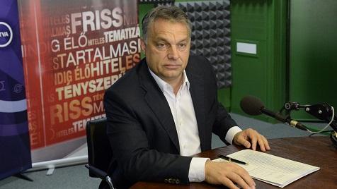 Budapest, 2014. november 14. Orbán Viktor miniszterelnök a Magyar Rádió stúdiójában, ahol interjút adott a Kossuth Rádió 180 perc címû mûsorának 2014. november 14-én. MTI Fotó: Soós Lajos