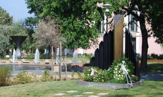Megemlékezés és koszorúzás a II. világháború áldozatainak emléknapja alkalmából