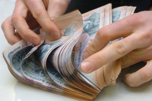 100 ezer forint fölött lesz a minimálbér
