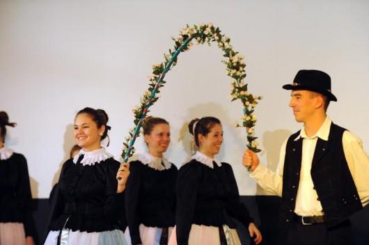 Vastapssal jutalmazták a német nemzetiségi táncest fellépőit