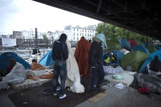 Bevándorlók táborait számolták fel Franciaországban