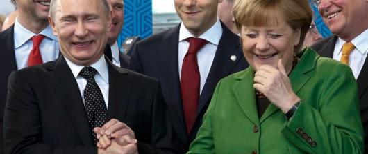 Merkel robbantott Davosban: Moszkvával szövetkezne