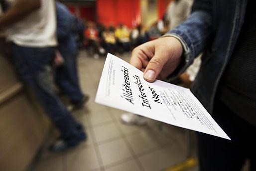 Csökkent a munkanélküliség, nőtt a foglalkoztatottság