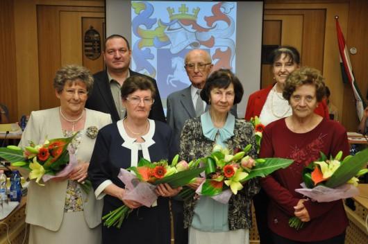 Napirend előtt: vas- és aranydiplomások, nyugdíjba vonuló óvodavezető köszöntése